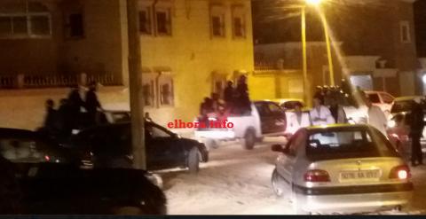 عشرات المحتجين يطوقون قناة الوطنية