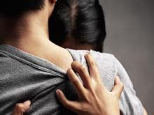 هربت مع عشيقها وطالبت زوجها بفدية حتى تعود (تفاصيل)