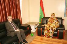 سفيرا فرنسا و الجزائر يلتقيان بنت مكناس وزيرة التجارة والصناعة والسياحة