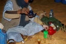 قصة أبناء شنقيط مع الشاي الأخضر